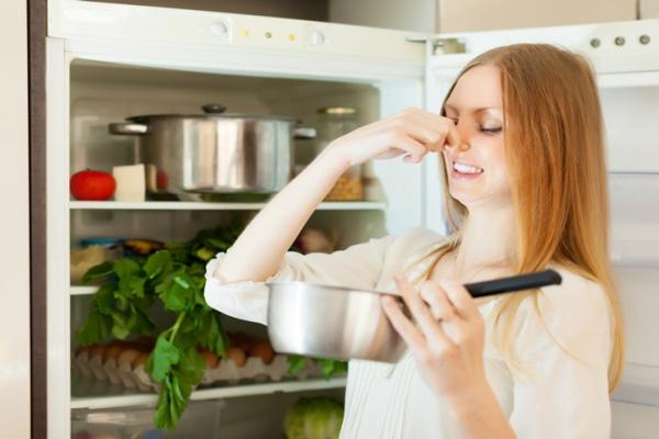 cách khử mùi tủ lạnh