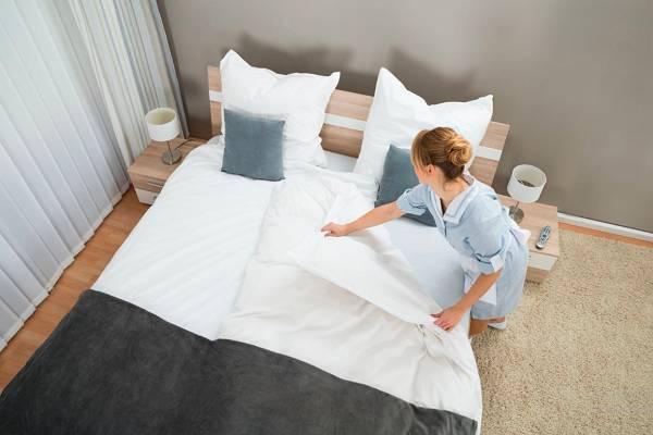 thay ra trải giường