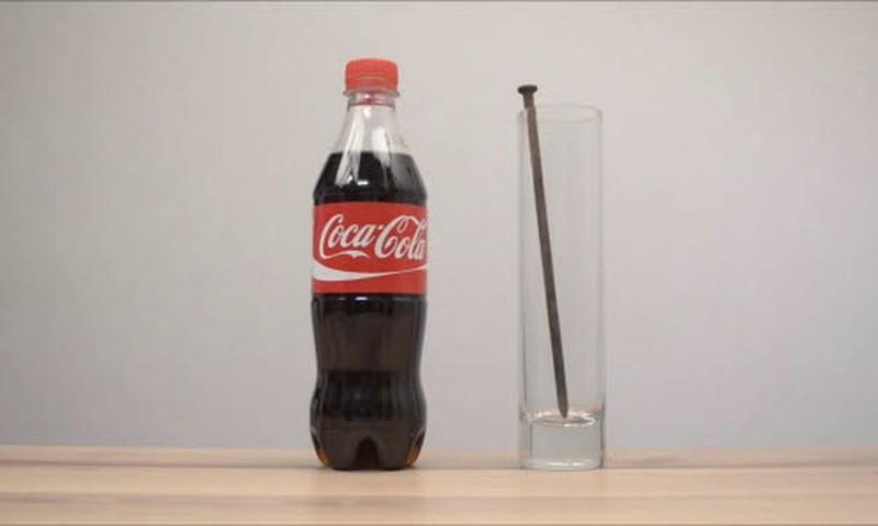Tẩy rỉ sét bằng coca cola